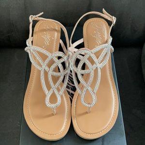 NIB Fergie Cassidy sandals size 10
